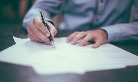 Contract de mandat vs. contract de muncă